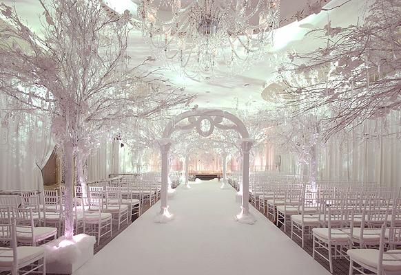Winter wonderland weddings persian wedding and party services blog winter wonderland wedding ceremony 2 2ffe5ae29bb6b60145835654b541b443 junglespirit Images